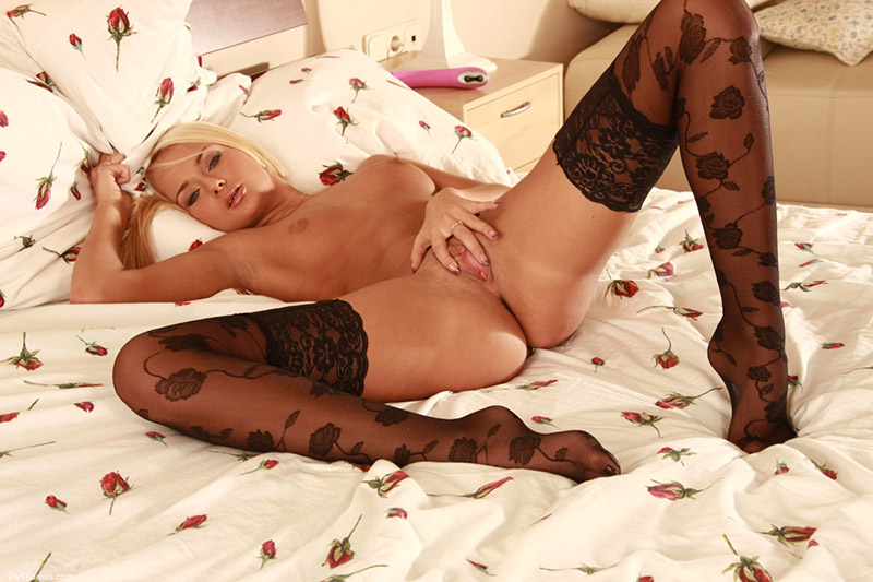 00_double_penetration_blonde-beautiful-girl
