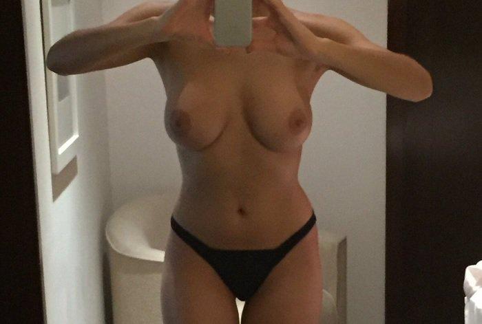 naked-escort-eva
